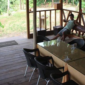 tambopata lodge inn reserve sandoval lake manu national park